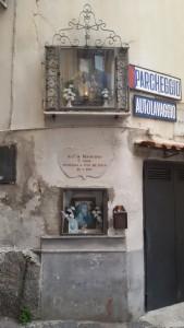 Hornacinas, Nápoles